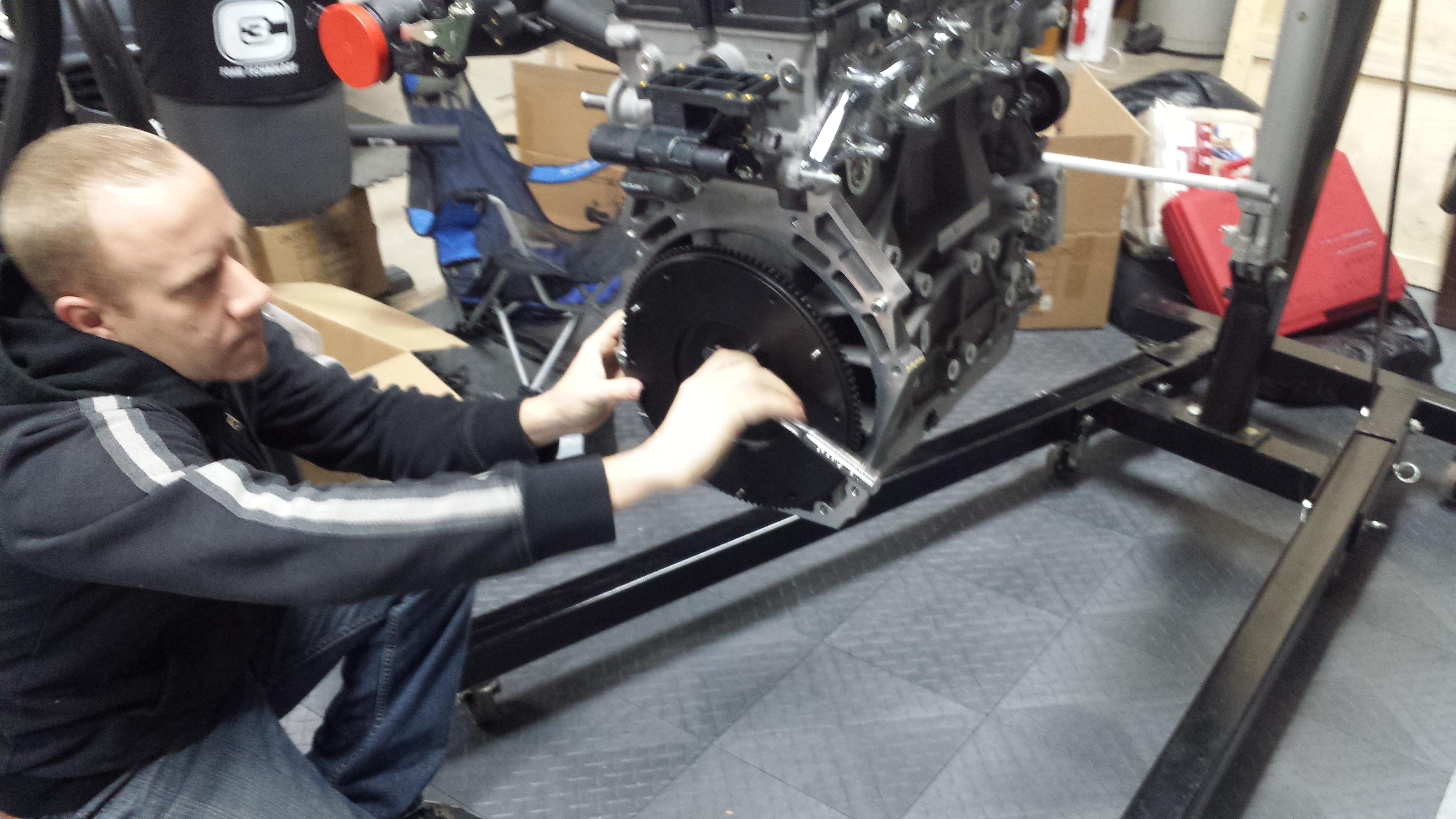 Torquing flywheel bolts